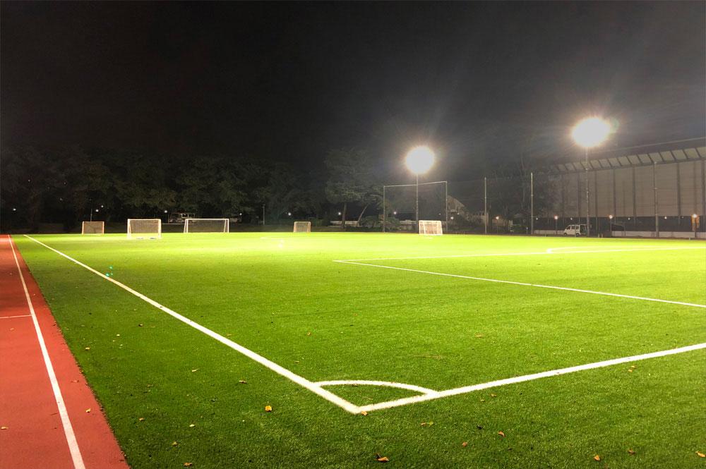 照明(投光器)納入事例 学校法人 武蔵野大学 サッカーグラウンド PIKA8×16台
