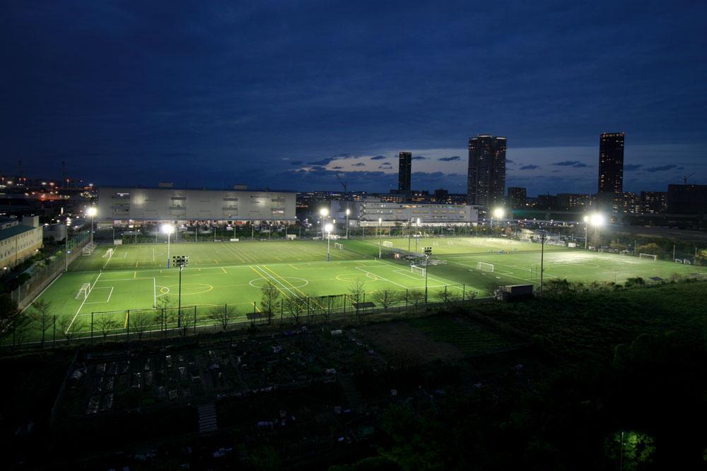 照明(投光器)納入事例 福岡県サッカー協会 福岡フットボールセンター PIKA8×132台 GL6×44台